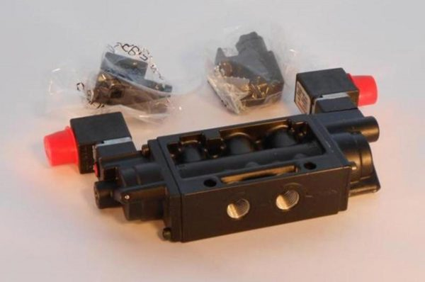 Image of NP-040-022300019 439-255 Norgren Solenoid Valve 4-Way 3 Pos 120V K81 Repair Kit 439-257 sold by RW Martin