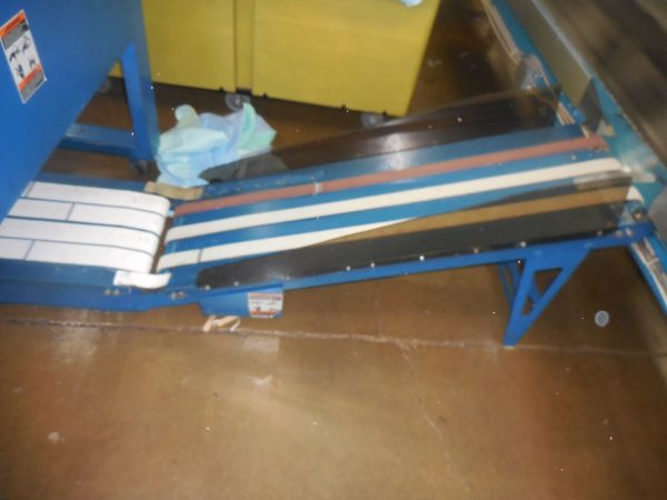 Image of UM-8022 Used Chicago Small Piece Folder Model Air Chicago XL sold by RW Martin