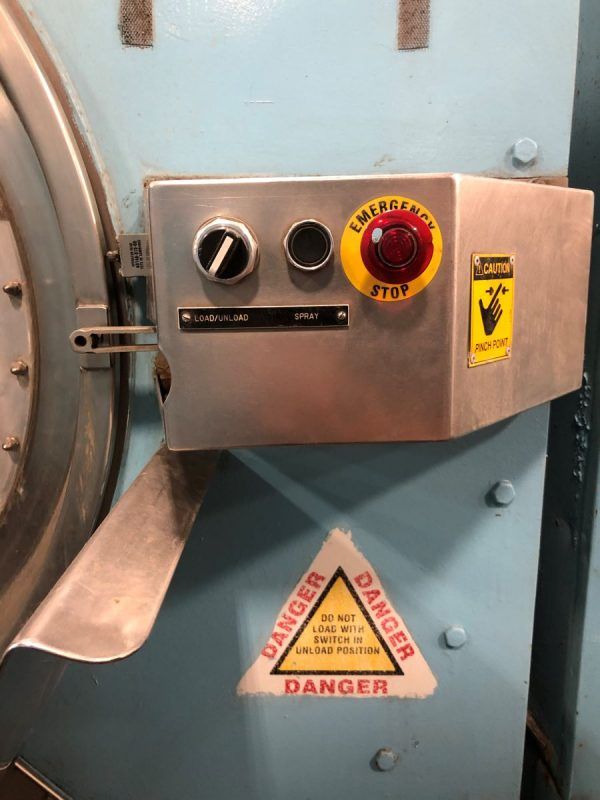 Image of UM-8051 Pre-Owned Braun 400 Lb Open Pocket Washer Extractor Model 400NOLUVP sold by RW Martin