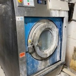 Image of UM-8273 BampC 105 Lb Capacity Open Pocket Washer Extractor Model SP-100-EZ-25ASN-AABA sold by RW Martin