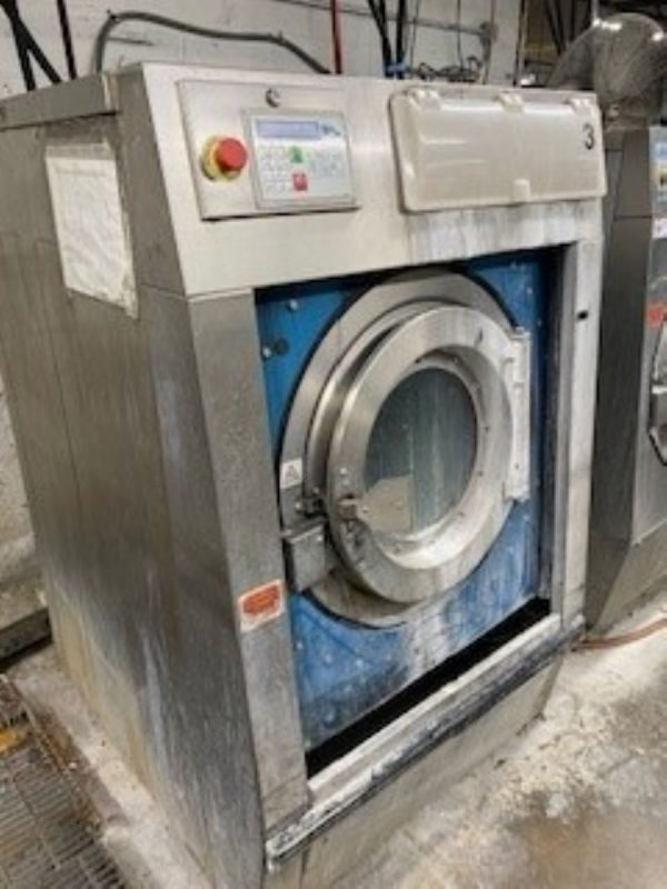 Image of UM-8274 BampC 60 Lb Capacity Open Pocket Washer Extractor Model SP-60-E2-25ASN-ABA sold by RW Martin