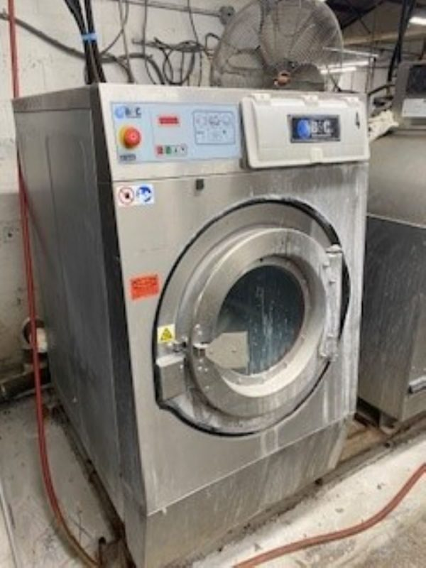 Image of UM-8275 BampC 65 Lb Capacity Open Pocket Washer Extractor Model IE-65-B2-24ASN-ABA sold by RW Martin