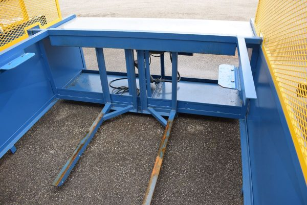 Image of UM-8321 Leebaw Manufacturing Hydraulic Lift Table Model HDACLTSN-3080 sold by RW Martin